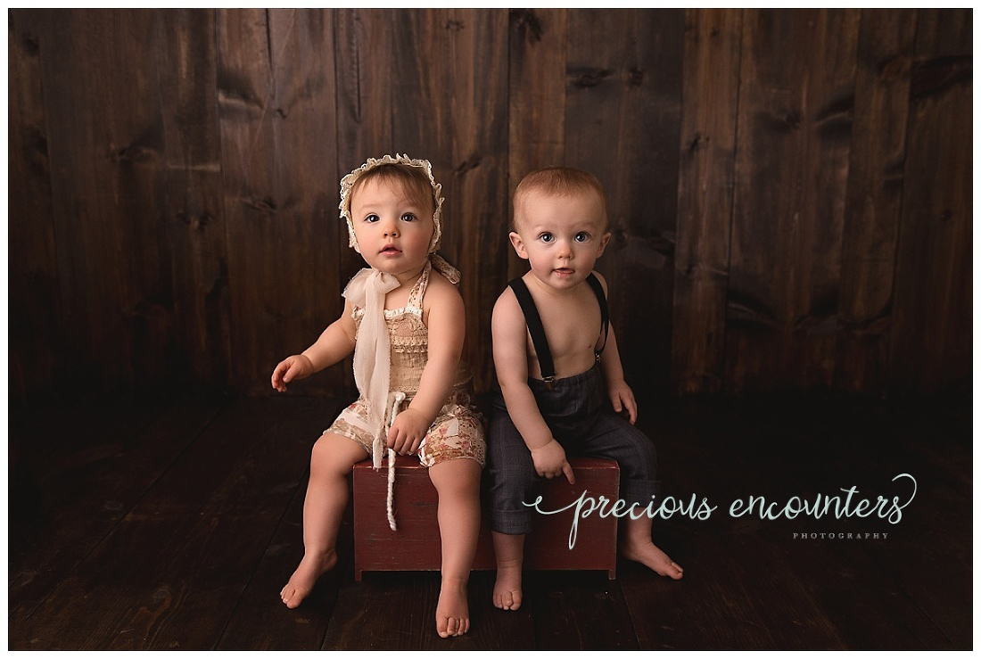 twins, portraits, pictures, dark wood