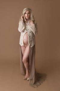 studio maternity, maternity poses, maternity style