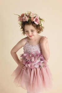 children's styled sessions, child poses