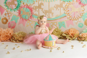 cake smash, gold and pink, carousel theme, mint, girl