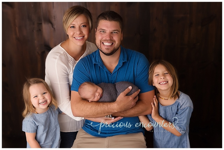 newborn, family posing