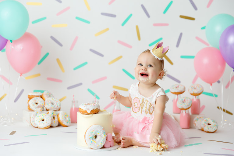 Big Island, Hilo, Kona, smash, donut, pink, gold, one, birthday, sprinkles